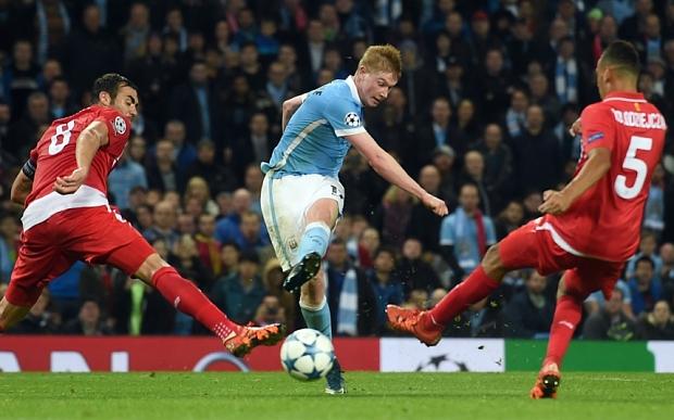 Manchester City's Belgian midfielder Kev