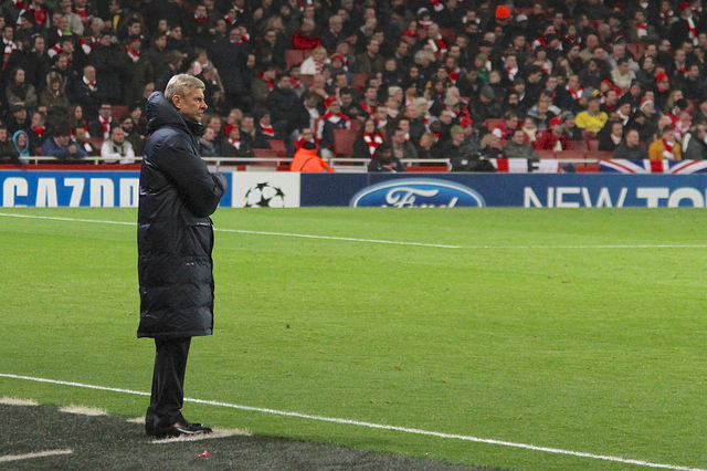 Ronnie Macdonald - Arsène Wenger looks on